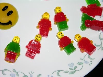 Gummy experiment plate