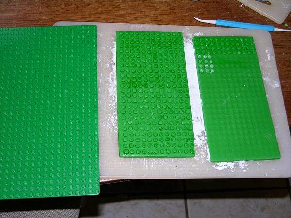 Making Lego baseplates with fondant