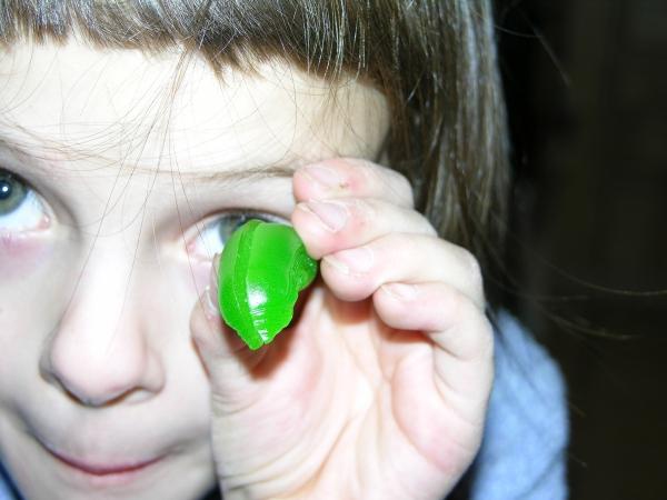 Peo Eating Gummy Alien Head 1