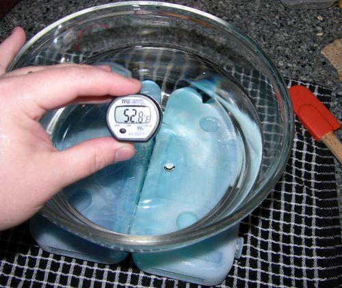 Gummy Water Drop Experiment - 01