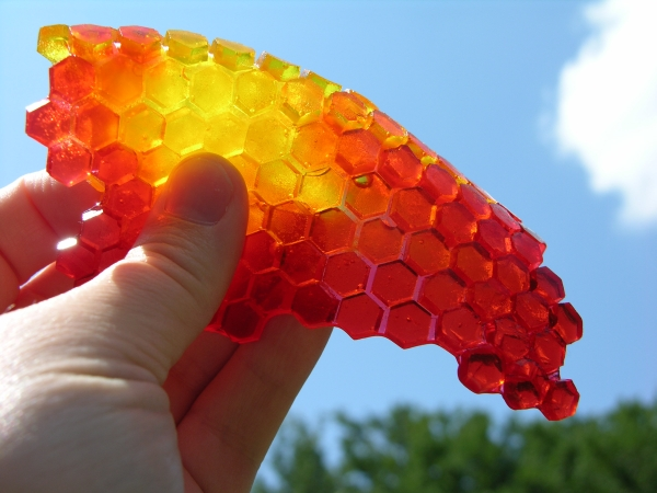 Bent sheet of hex gummy