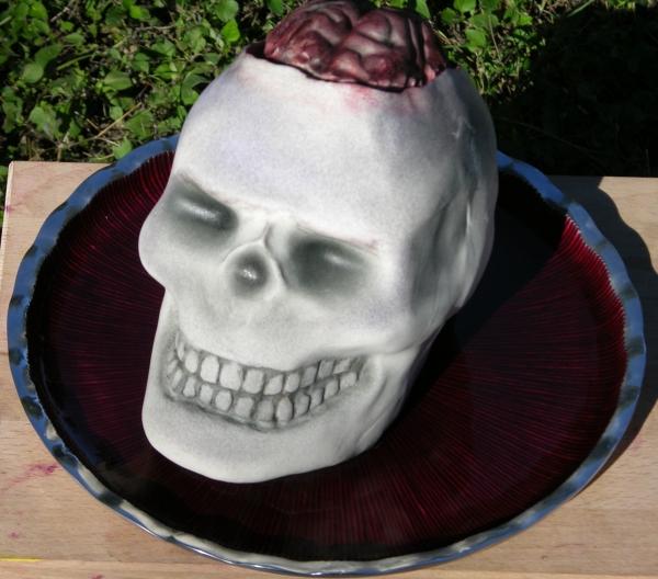 skull cake outside