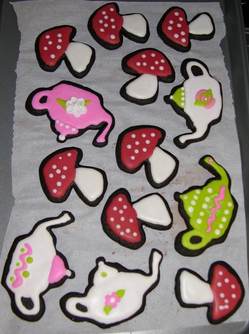 teapot and mushroom cookies
