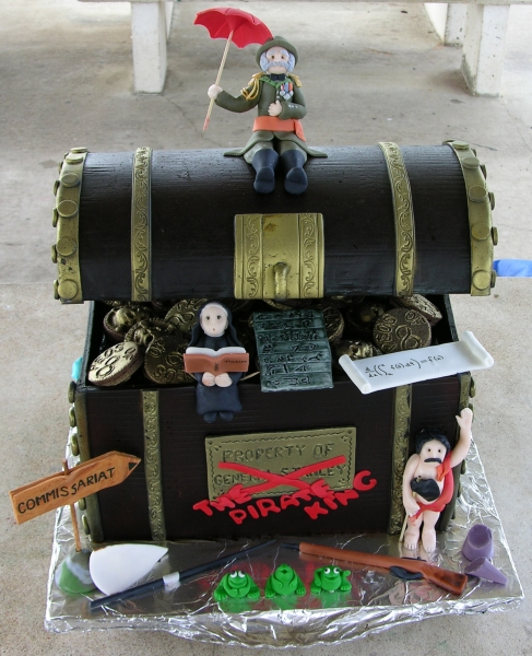 full Pirates of Penzance chest cake - front