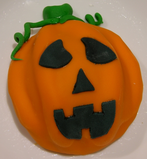finished Jack O Lantern cookie