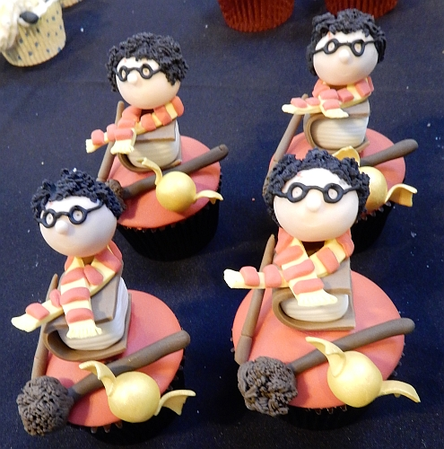2014-nov16-nec-cupcakecompetition-harrypotter