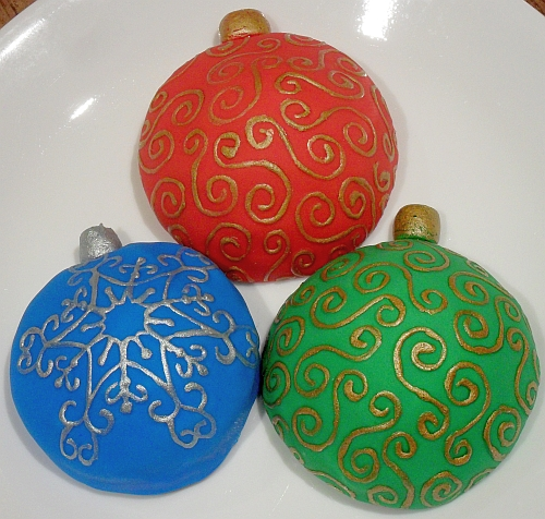 red, green, and blue ornament cookies