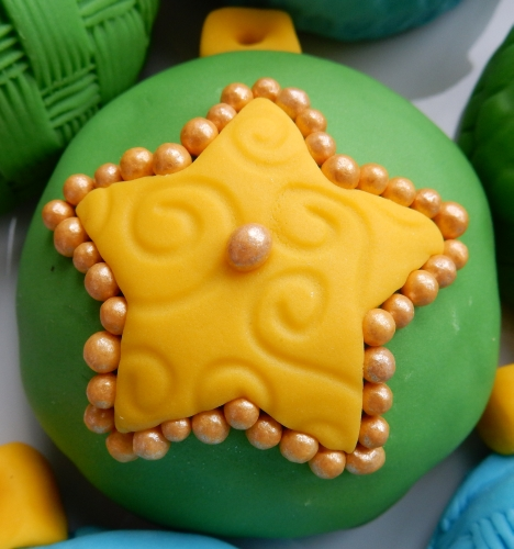 star ornament cookie