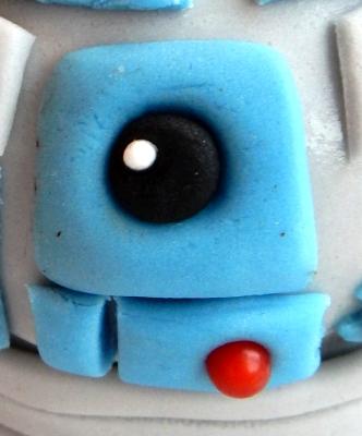 R2D2's face